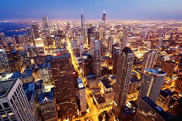 vista aérea de chicago downtown - edificio hancock chicago fotografías e imágenes de stock