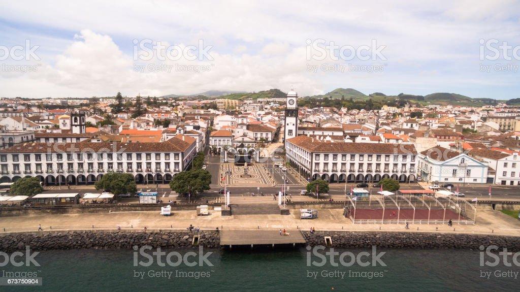 Şehir Merkezi ve Praça da Republica Ponta Delgada, Azores, Portekiz Hava görünümünü. royalty-free stock photo