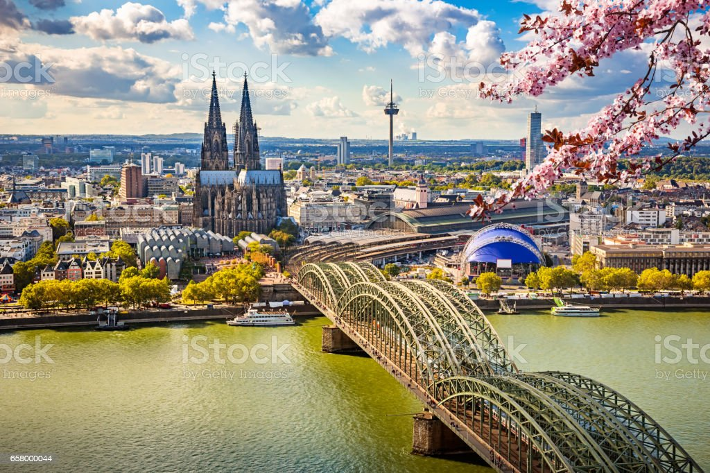Aerial view of Cologne at spring – Foto
