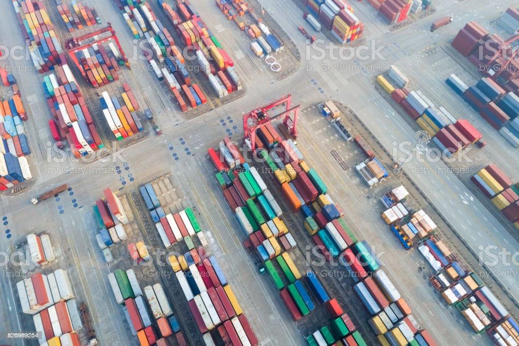 Luftaufnahme des Containerdepots stack – Foto