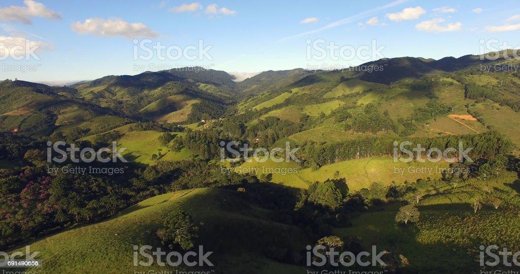 Vista aérea da Cunha - pequena vila - em São Paulo, Brasil - foto de acervo