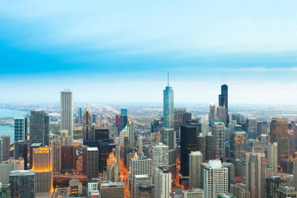 vista aérea de la ciudad de chicago - chicago fotografías e imágenes de stock
