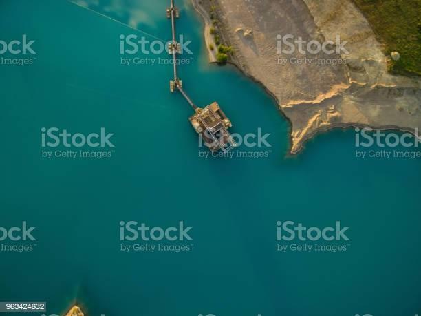 Widok Z Lotu Ptaka Pogłębiarki Uzupełniają Piasek W Jeziorze - zdjęcia stockowe i więcej obrazów Ekstremalne warunki pogodowe
