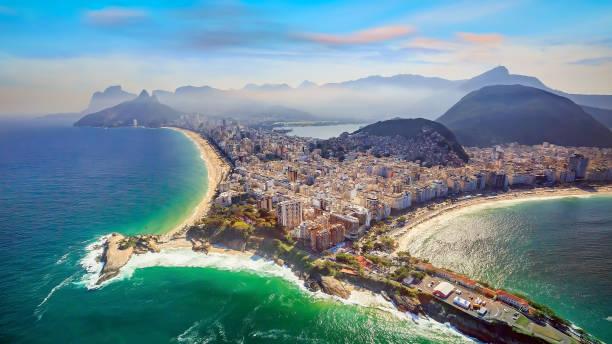 Vista aérea de Copacabana Playa y la famosa playa de Ipanema - foto de stock