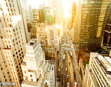 507831914 istock photo Aerial view of fifth avenue 507832438