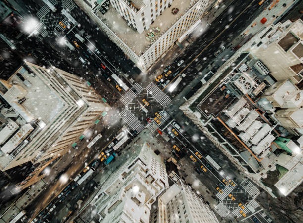 Aerial view of fifth avenue snowing Aerial view of fifth avenue snowing new york city stock pictures, royalty-free photos & images
