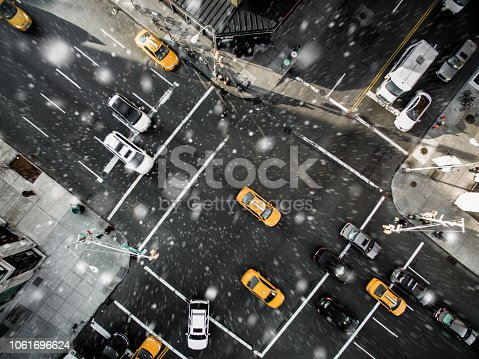 507831914 istock photo Aerial view of fifth avenue snowing 1061696624
