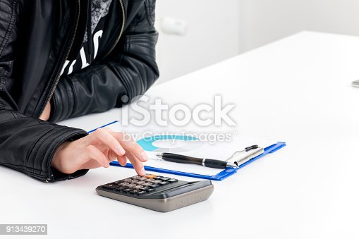 1217929357 istock photo Aerial View of Financial Concepts 913439270