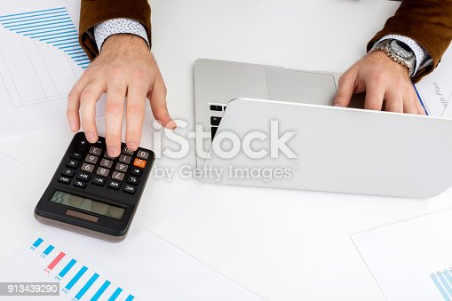 1217929357 istock photo Aerial View of Financial Concepts 913439290