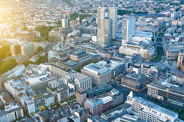 luftaufnahme von frankfurt, deutschland - stadt frankfurt stock-fotos und bilder
