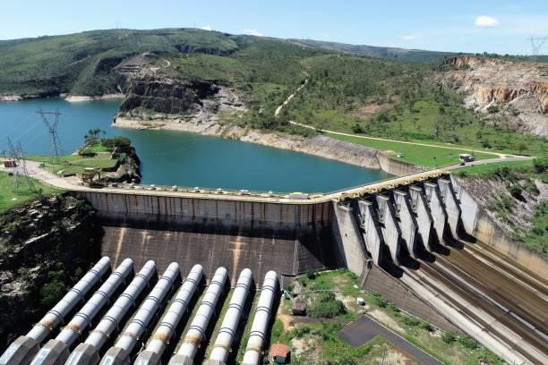 aerial view of furnas's hydroeletric, minas gerais, brazil. energy generation. furnas's lagoon. travel destination. tropical travel. tourism point. - энергия воды стоковые фото и изображения