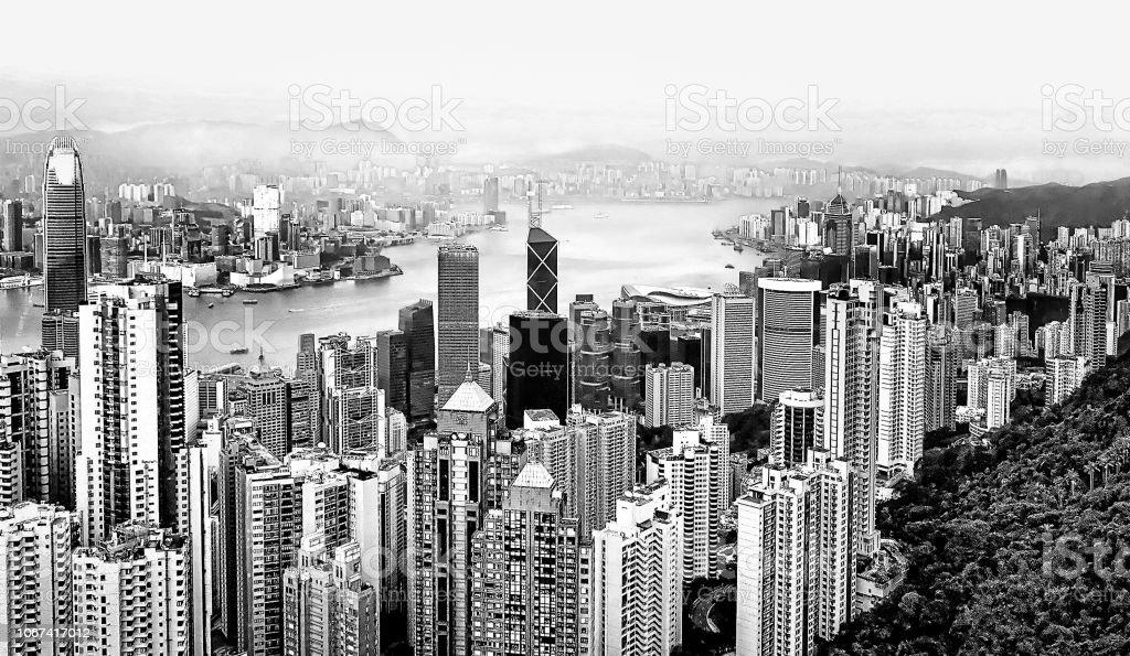 Vista aérea de arranha-céus futuristas da ilha de Hong Kong do alto do Pico Victoria. Cores preto e branco - foto de acervo