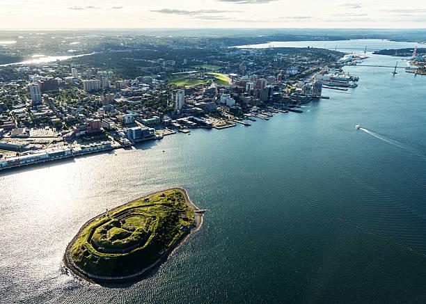 luftbild von george's island - nova scotia halifax stock-fotos und bilder