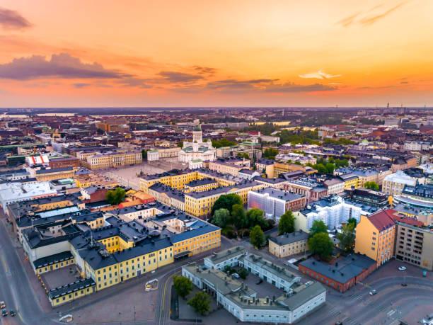 flyg foto över helsingfors vid solnedgången, finland - drone helsinki bildbanksfoton och bilder