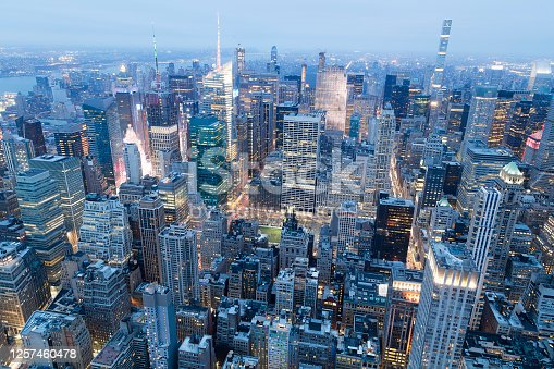 516768600 istock photo Aerial View of Iconic Global District in New York City at Dusk, Midtown Manhattan 1257460478