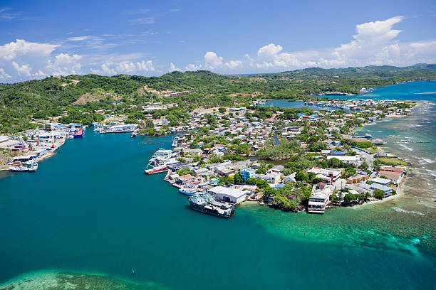 Aerial view of island village  roatan stock pictures, royalty-free photos & images