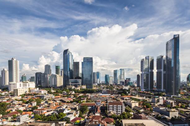 vue aérienne de la capitale jakarta, indonesia - indonésie photos et images de collection