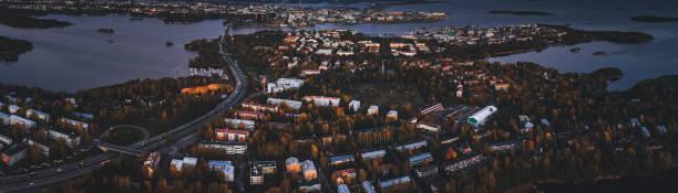 flyg foto över drumsö del av helsingfors finland med mörker som faller över ön - drone helsinki bildbanksfoton och bilder