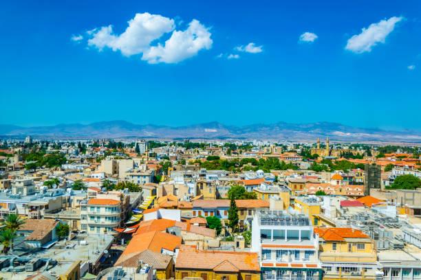 luftaufnahme von lefkosia, zypern - edirne stock-fotos und bilder