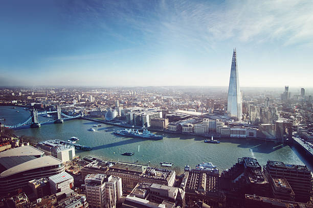 aerial view of london - shard london bridge stockfoto's en -beelden