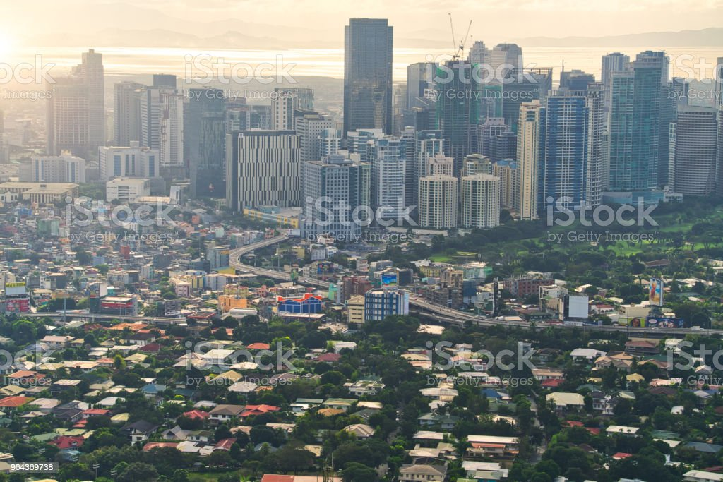 Vista aérea do horizonte de Makati, Metro Manila - Filipinas - Foto de stock de Ajardinado royalty-free