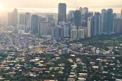 Foto de Vista Aérea Do Horizonte De Makati Metro Manila Filipinas e mais fotos de stock de Ajardinado