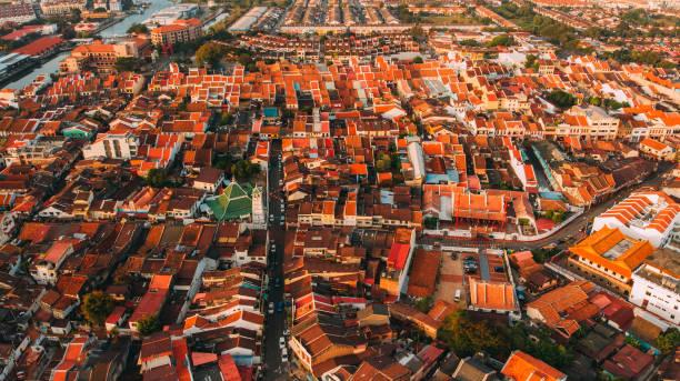 luchtfoto van malakka in de vroege ochtend - malakka staat stockfoto's en -beelden