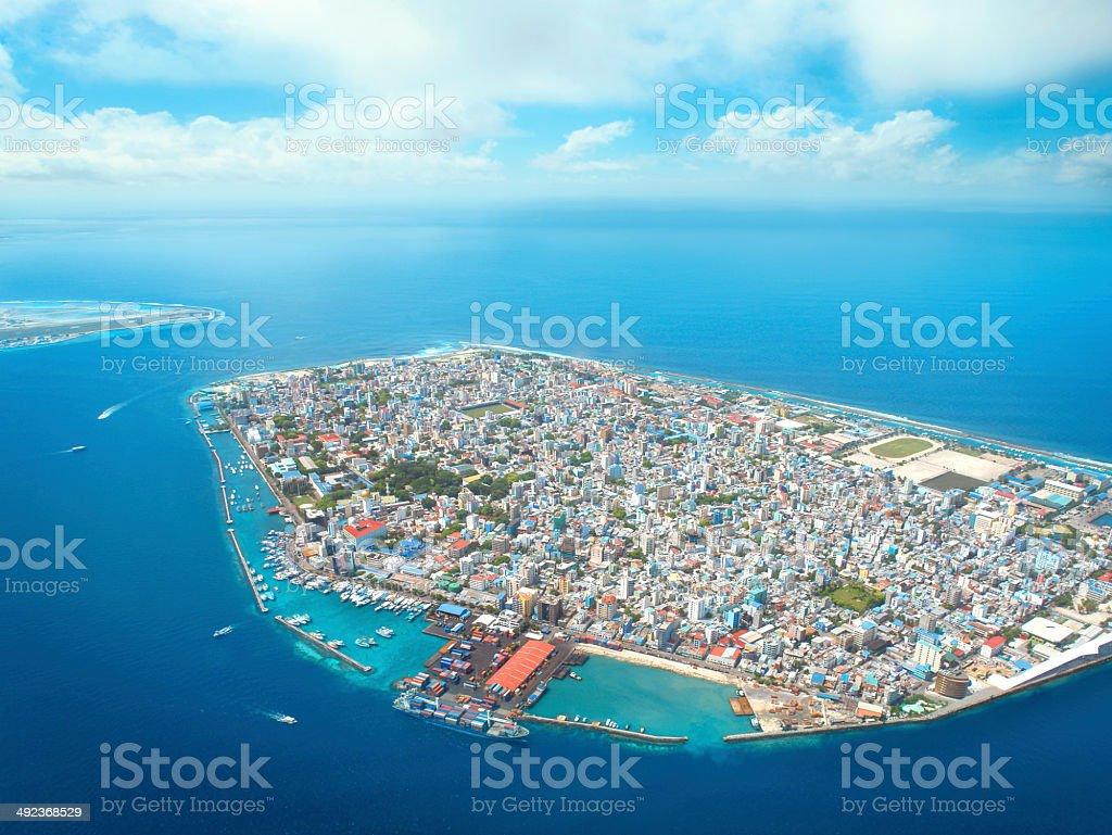 Aeroporto Male Maldive : Veduta aerea del maschio capitale delle maldive fotografie stock
