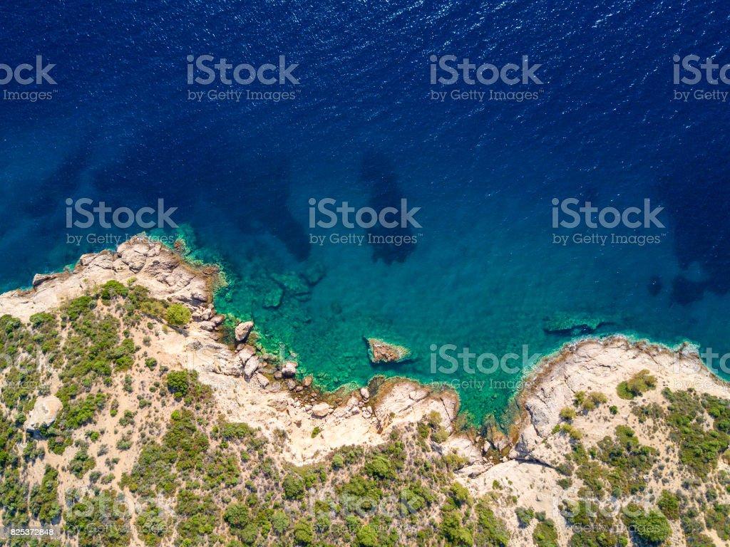 Vista aérea de acantilados mediterráneos - foto de stock