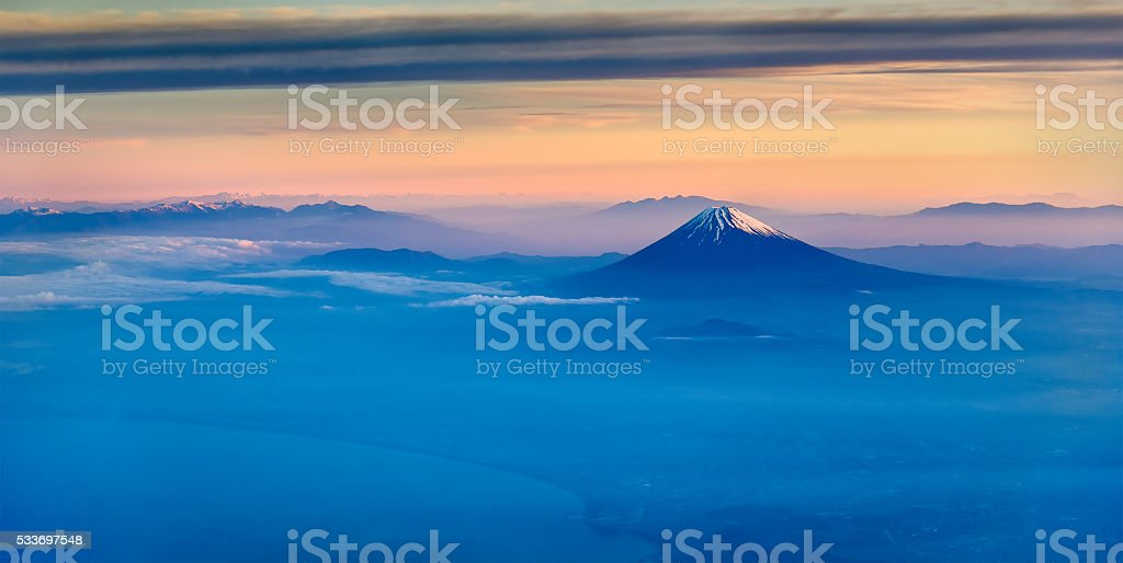 の航空写真富士山朝の ストックフォト