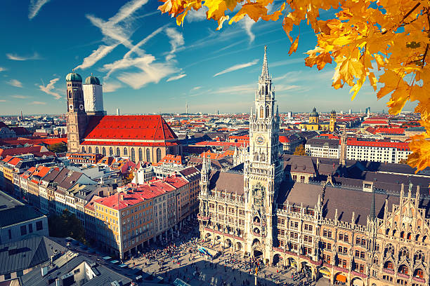 veduta aerea di monaco - marienplatz foto e immagini stock