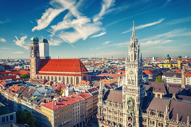 aerial view of munchen - münchens nya rådhus bildbanksfoton och bilder