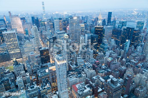 516768600 istock photo Aerial View of New York City's Iconic Buildings at Dusk, Midtown Manhattan 1257459355
