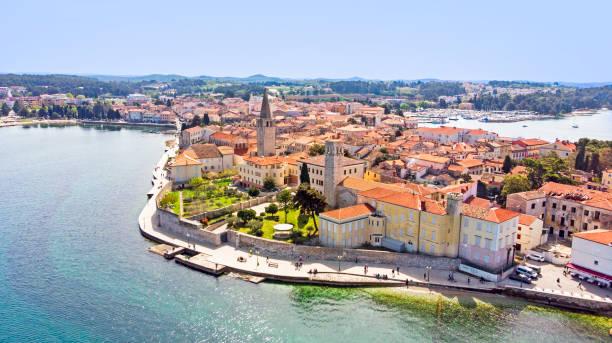 Luftaufnahme der Altstadt Porec mit der Euphrasianischen Basilika, Kroatien – Foto