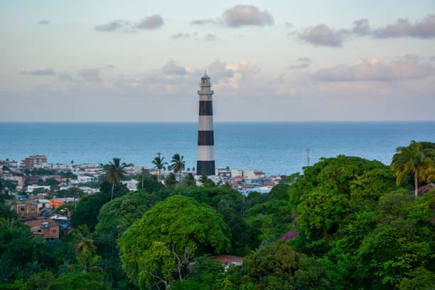 vista aérea do farol de olinda e igreja de nossa senhora das graças, olinda, pernambuco, brasil - recife e olinda - fotografias e filmes do acervo