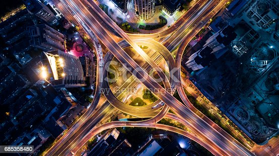 istock Aerial view of overpass at night 685358480