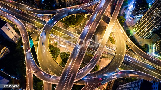 istock Aerial view of overpass at night 685358482