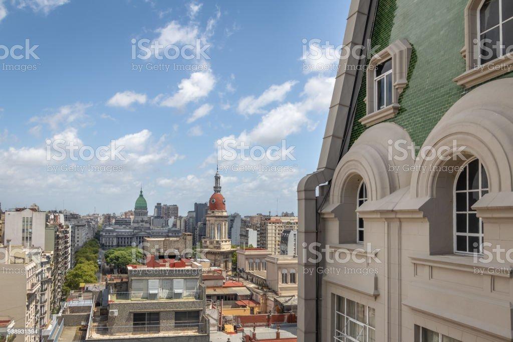 Aerial view of Plaza Congreso (Congress Plaza) and Palacio Barolo (Barolo Palace) - Buenos Aires, Argentina - foto stock