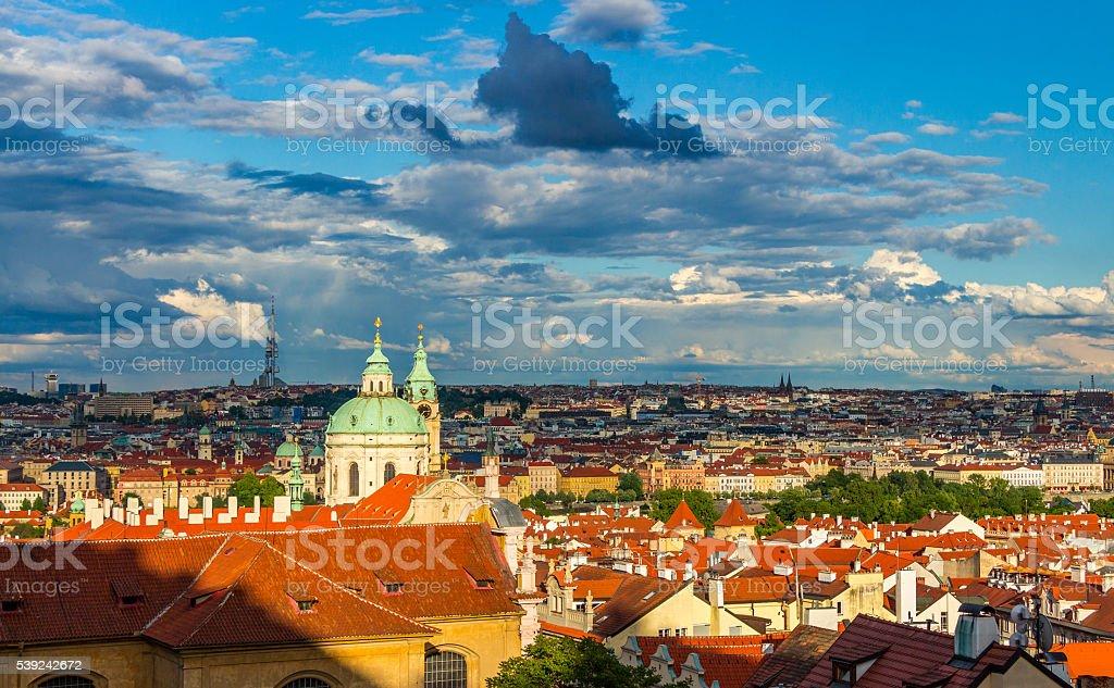 Vista aérea de Praga desde el Castillo de Praga foto de stock libre de derechos