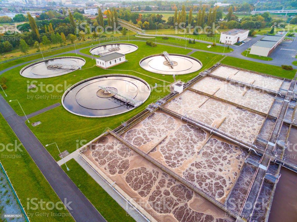 Vue aérienne de l'usine d'épuration publique - Photo