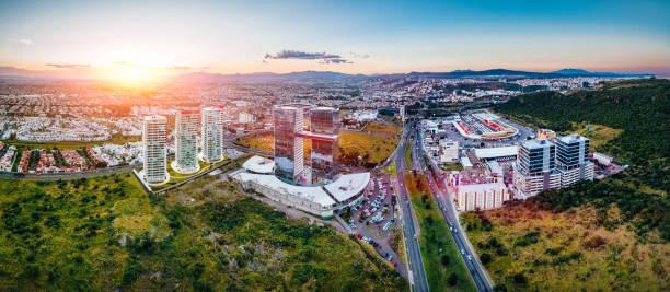 aerial view of queretaro skyline mexico - queretaro fotografías e imágenes de stock