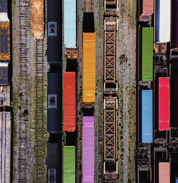 luchtfoto van het spoor werf - parallel stockfoto's en -beelden