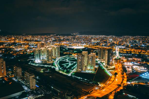vista aérea de sao paulo na noite - são paulo - fotografias e filmes do acervo