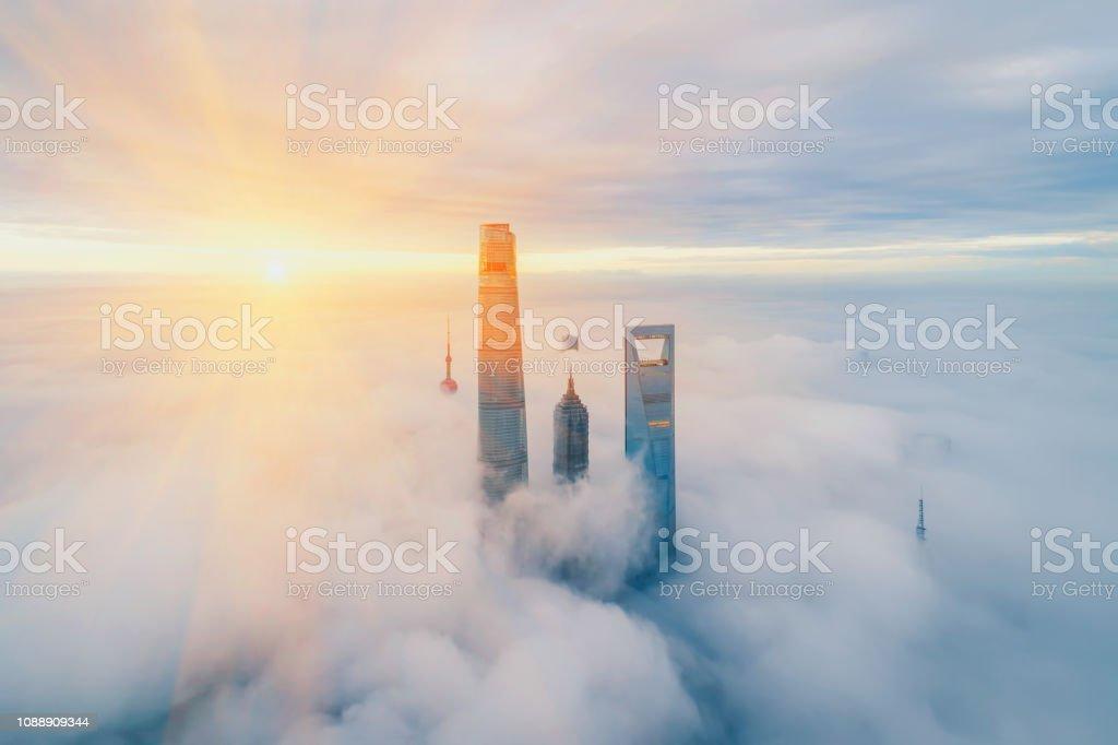 Aerial View Of Shanghai bei Sonnenaufgang – Foto