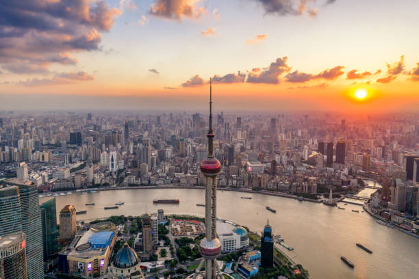 aerial view of shanghai city skyline at dusk shanghai,aerial view,oriental pearl tower,lujiazui,dusk,sunset huangpu river stock pictures, royalty-free photos & images