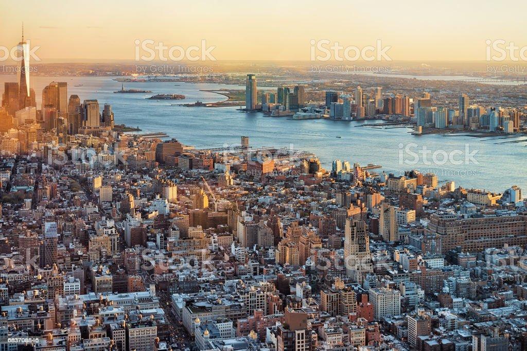 ダウンタウンとロウアー マンハッタン ニューヨークのスカイラインの ...