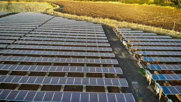Luftaufnahme von Sonnenkollektoren – Foto