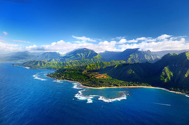 aerial view of spectacular na pali coast, kauai - pacific islands stock pictures, royalty-free photos & images