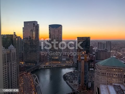 483312814 istock photo Aerial view of stunning sunset over Chicago River in January 1089581836
