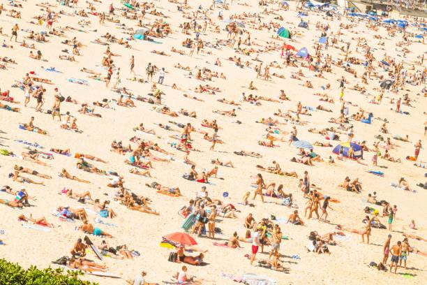 Matteo Colombo Photography   Bondi beach crowded on new